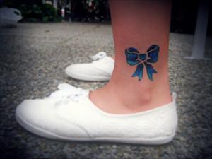 kokardka niebieska